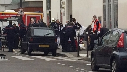 Parigi, identificati i tre terroristi autori della strage a Charlie Hebdo