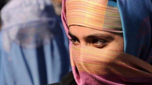 Milano: attivo il divieto del burqa negli ospedali e nelle sedi regionali