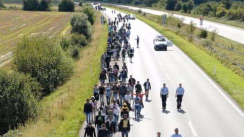 Mano dura di Svizzera e Danimarca contro i profughi