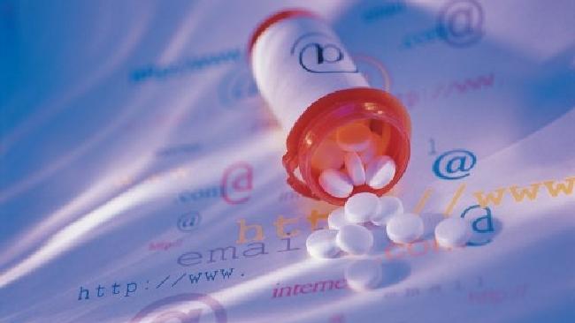 Farmaci a casa con un clic, dal 1° luglio la vendita online diventa legale