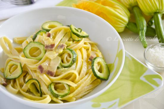 Fettuccine alla carbonara di zucchine
