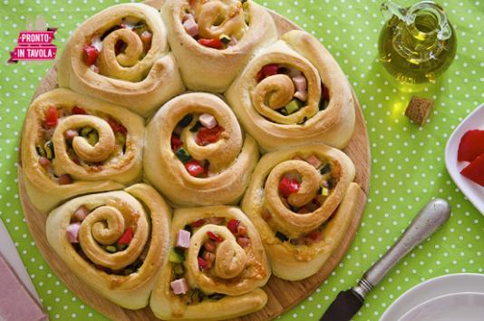 Torta delle rose salata ricetta di pronto in tavola - Ricette monica bianchessi pronto in tavola ...