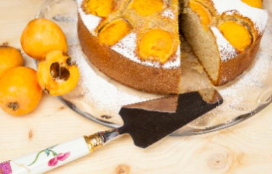 I dolci di alice torta soffice alle nespole ricetta di - Pronto in tavola alice ...