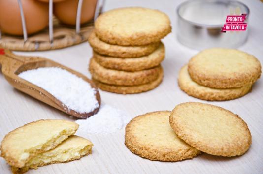 Biscotti al cocco ricetta di pronto in tavola - Ricette monica bianchessi pronto in tavola ...