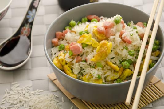 Riso alla cantonese ricetta di pronto in tavola for Piatto tipico cinese