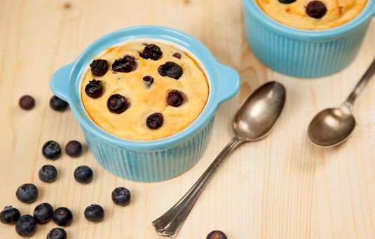 Coppette alla ricotta e mirtilli ricetta di pronto in tavola - Pronto in tavola alice ...