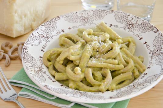 Pasta in crema di piselli e robiola ricetta di pronto in tavola - Ricette monica bianchessi pronto in tavola ...