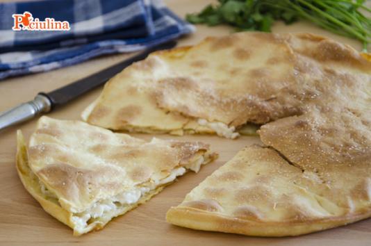 Focaccia al formaggio ricetta di pronto in tavola - Ricette monica bianchessi pronto in tavola ...