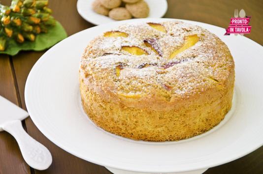 Torta alle pesche e amaretti ricetta di pronto in tavola - Ricette monica bianchessi pronto in tavola ...