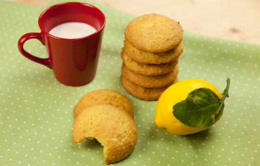 I dolci di alice biscotti morbidi al limone ricetta di - Pronto in tavola alice ...