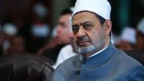 """Grande imam di Al Azhar attacca l'Isis """"I terroristi andrebbero crocifissi"""""""