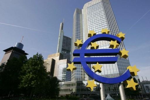 Verso il quantitative easing: le differenze tra Europa e Stati Uniti
