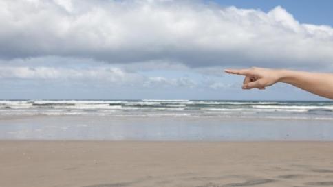 Fare la pipì nell'acqua del mare non danneggia l'ambiente