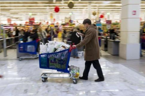 Ue, stop ai sacchetti di plastica perla spesa: meno 80% entro il 2019