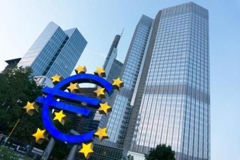 Bce gela Atene: stop ai bond greci per ottenere finanziamenti