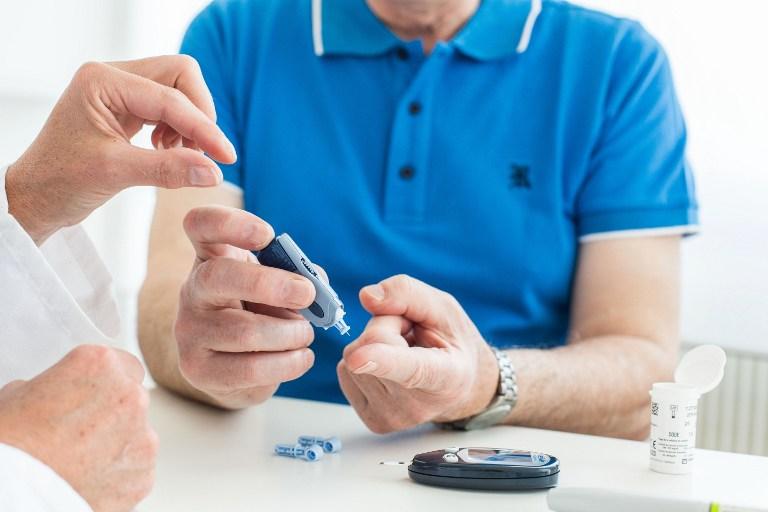 """Diabete, basta buchi per misurare la glicemia: basterà una """"penna"""""""
