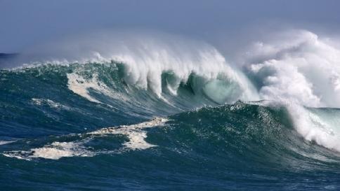 energia e acqua potabile si ricavano dalle onde del mare
