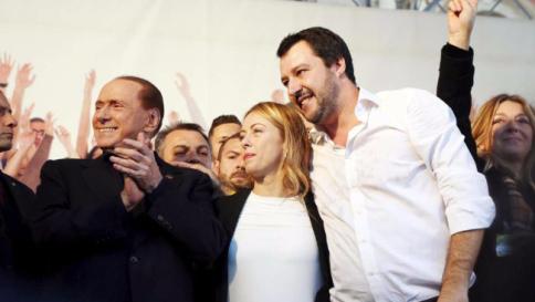 Legge Severino, è scontro Berlusconi-Renzi