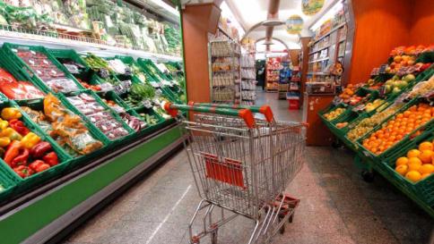 Inflazione, frena il carrello della spesa Prezzi fermi o in calo in dieci città