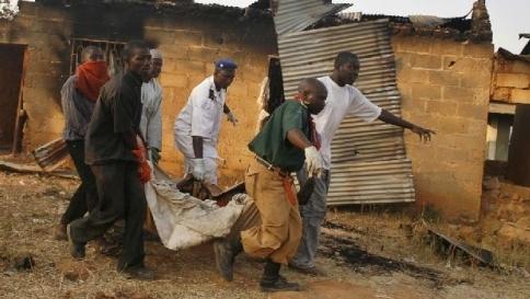 Orrore in Nigeria, strage di cristiani Oltre 100 vittime uccise in un villaggio