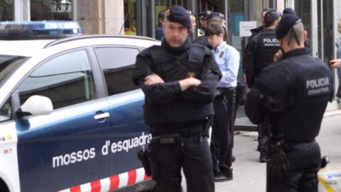 Spagna, sgominata cellula jihadista: inviava armi ed esplosivi in Siria