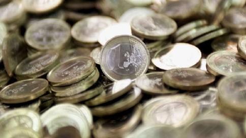 Busta paga dipendenti più leggera Contributo solidarietà Inps dello 0,5%