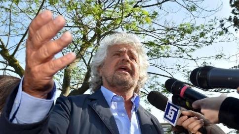 Diffamazione, Grillo condannato per le offese a docente università di Modena