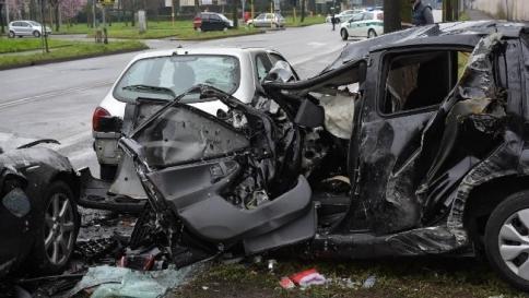 Omicidio stradale, cambia il ddl: revoca della patente fino a trent'anni