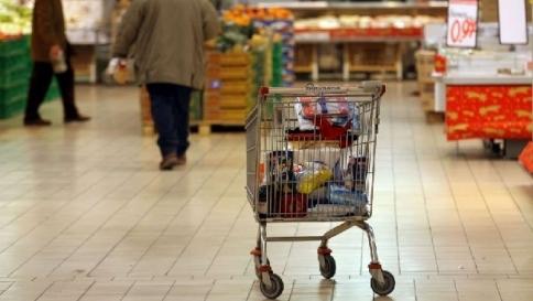 La crisi affonda la nostra  capacità di spesa: siamo peggio della Grecia