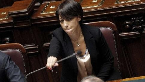 De Girolamo lascia il governo,  Letta accetta dimissioni e assume l'interim