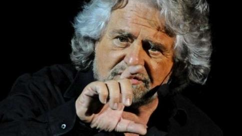 """Grillo: """"Abolire il Fiscal Compact o referendum per uscire dall'euro"""""""