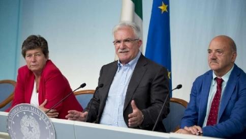 Il governo difende il decreto lavoroCisl contro Cgil, anche il Pd è diviso