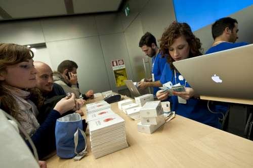 Apple, solo in Europa dà lavoro a 672 mila persone