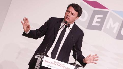 """Matteo Renzi attacca l'Ue: """"E' come l'orchestra che suona nel Titanic"""""""