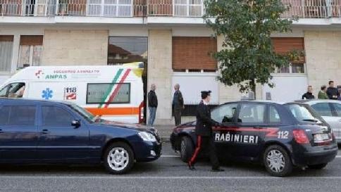Milano, sconvolto per la malattia della moglie: la uccide e si impicca