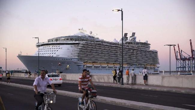 Arriva a Civitavecchia la nave da crociera più grande del mondo