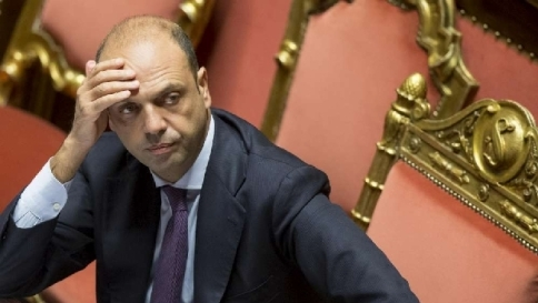 "Alfano: ""In Italia 52 foreign fighter, impossibile escludere attentati da noi"""