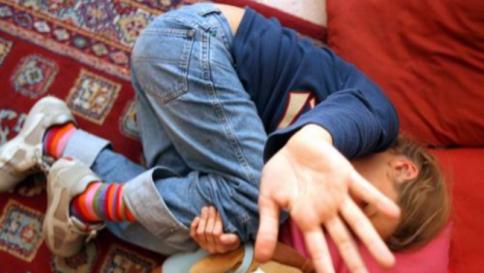 Austria: iracheno strupra ragazzino in piscina, notizia oscurata per giorni