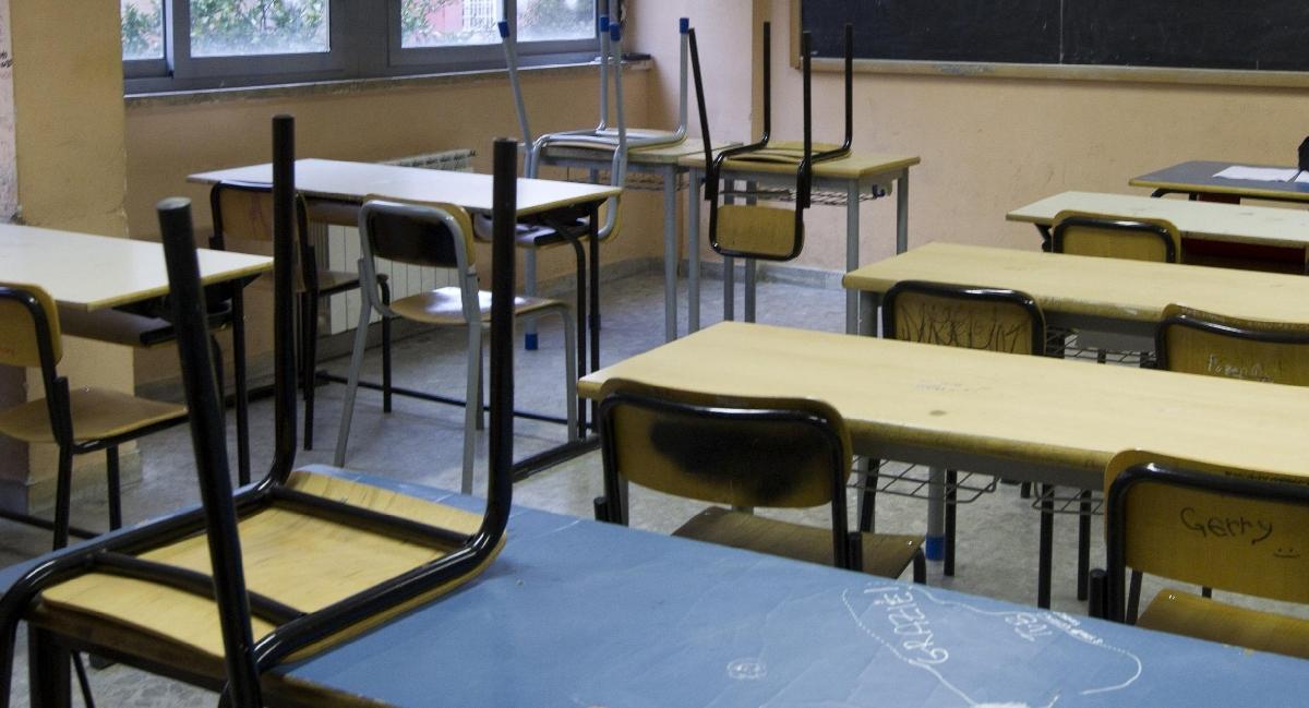 Scandalo contributi scolastici: se non paghi non ti iscrivi