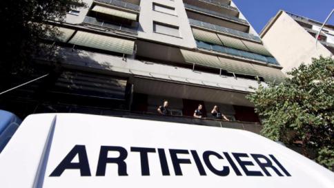 Bomba rudimentale trovata davanti a filiale Banca Etruria