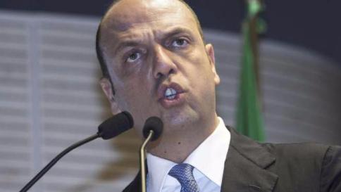 Indagato il ministro Angelino Alfano.