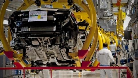 Auto, nel 2014 il mercato Ue riparte Vendite a +5,4%, bene anche Fca
