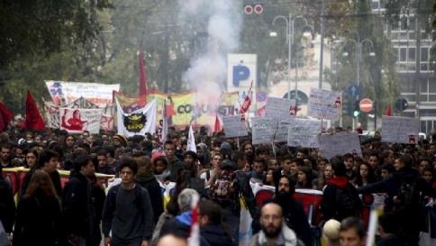 Sciopero sociale, migliaia in piazza: tensione e scontri da Milano a Napoli