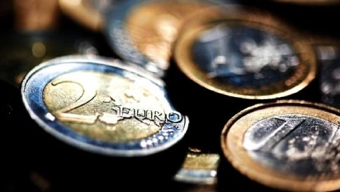 Istat: l'economia continuerà a calare Padoan: pareggio bilancio nel 2017