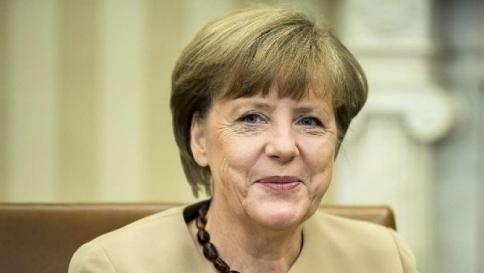 Merkel silura Juncker e propone Lagarde a capo della commissione Ue