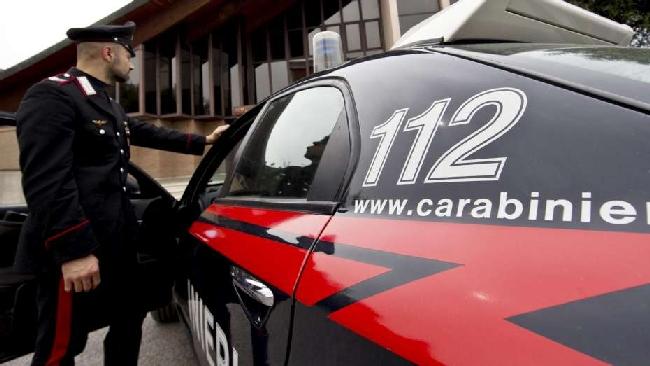 Monza, sequestra la moglie in cantina: carabinieri arrestano marito ... - TGCOM