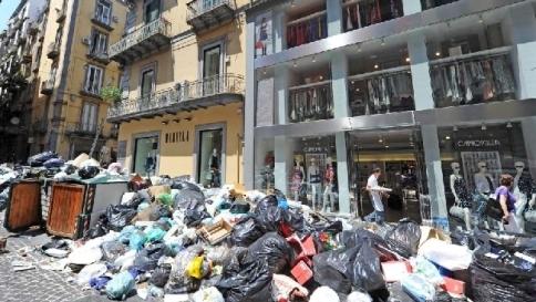 Traffico di rifiuti, raffica di arresti a Roma:al vertice un boss della camorra
