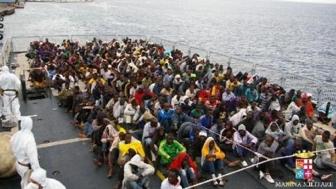 Immigrati, altri sbarchi in Calabria e Sicilia: fermati due scafisti