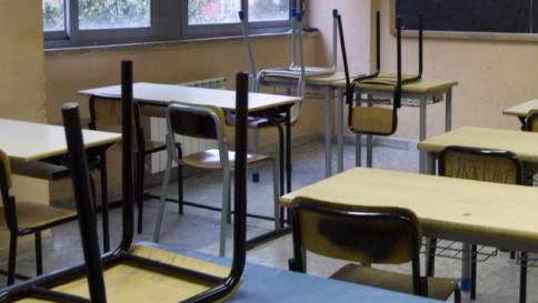 Gragnano: percosse e insulti agli alunni, obbligo di dimora per 2 maestre