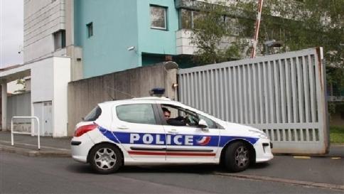 Francia, madre soffoca i suoi tre bambini